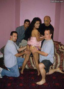 Indian randi ka gangbang – Hardcore Chudai Pics
