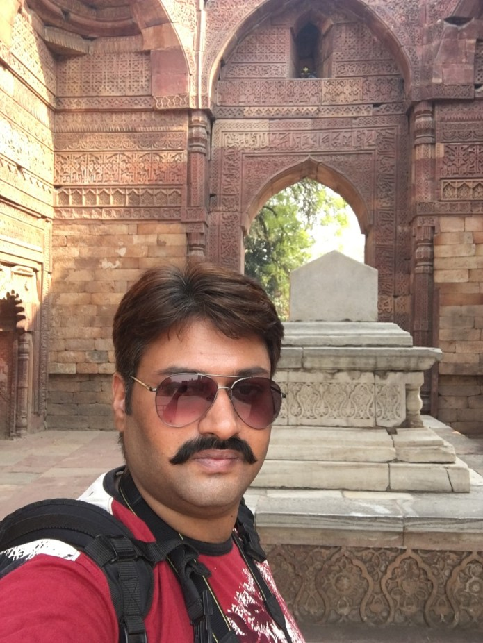 iphone selfie qutub minar 3