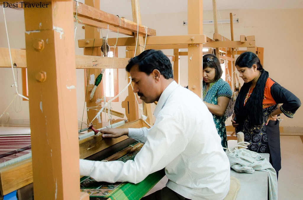 weaving on hand-loom in Pochampally 907