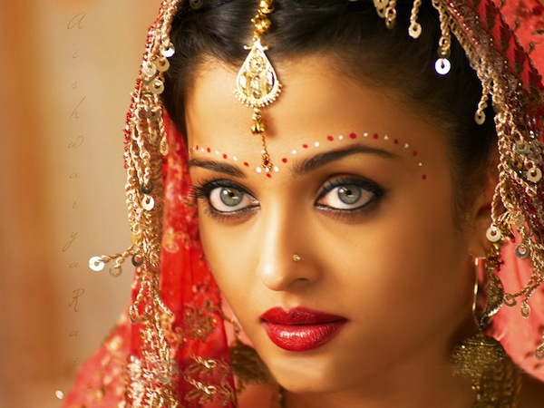 INDIAN BRIDAL JEWELRY Head to Toe  All about Wedding