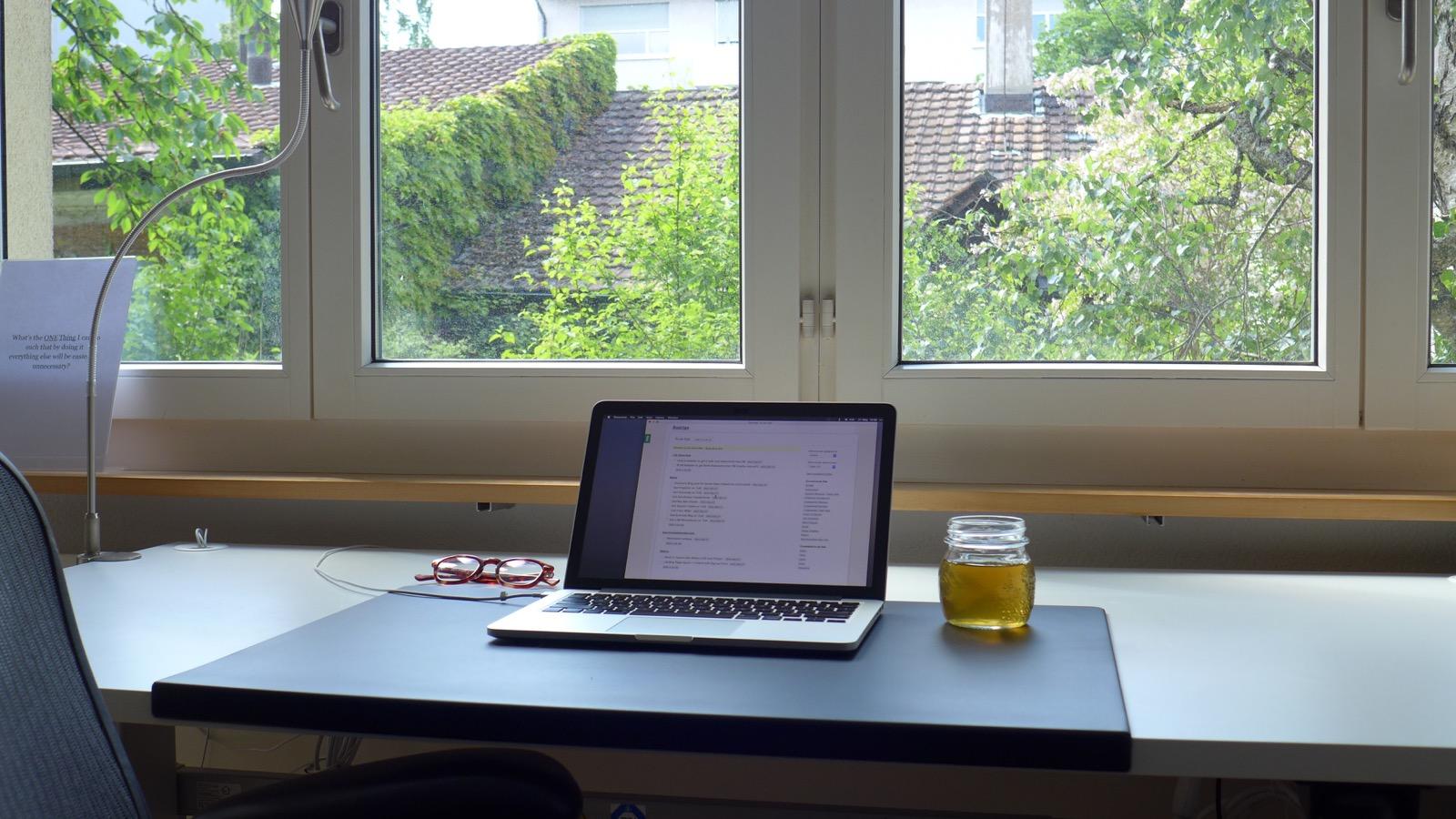 The Minimalist Coder Desk  Desk Hunt