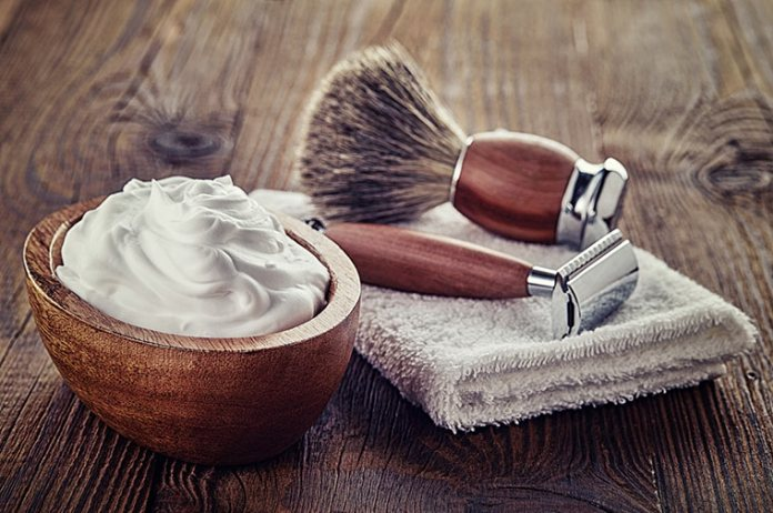 Plenty of shaving foam allows the wet razor to be used gently on the skin