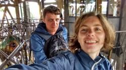 Met Ruben in de draaimolen in Nantes