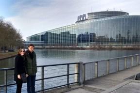 Twee brave burgers van Europa. Maar ze mochten niet naar binnen.