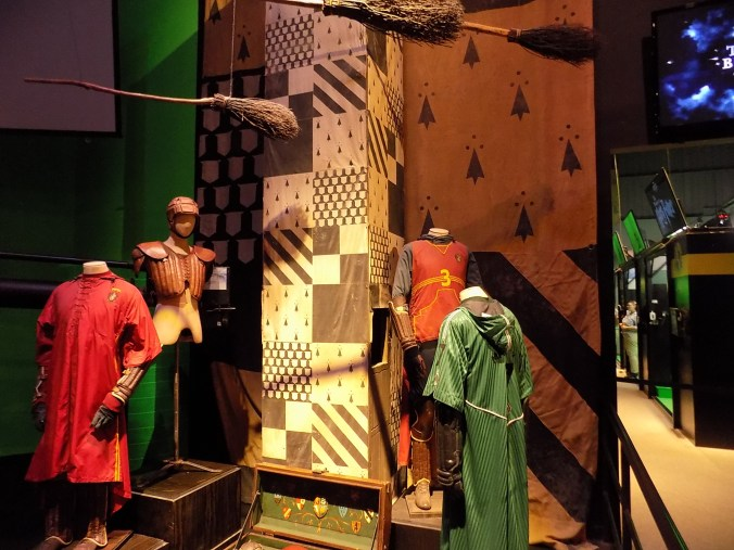 Photos de tenues de Quidditch, aux studios Harry Potter à Londres