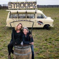 Marga en Arno Limpens met hun stroopwafel Foodtruck Stroopz