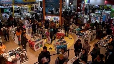 5cc4f5c008aa0 400x225 - Con caída de ventas y estrategias promocionales, cierra la 45° Feria del Libro - Télam