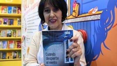 "5cd5dee48f384 400x225 - María Fernanda Heredia: ""La literatura me da suficientes recursos para hablar del horror"" - Télam"