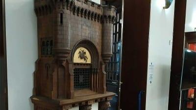 """5cf28eb5e6583 400x225 - La Biblioteca Nacional expone el manuscrito del """"Cantar del Mío Cid"""" - Télam"""