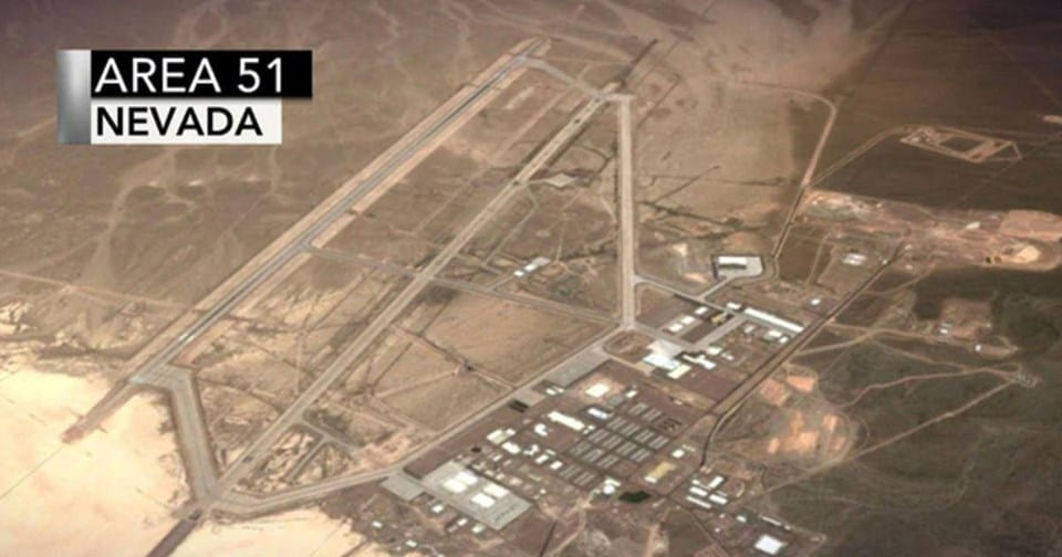 "Storm Area 51, They Can't Stop All of Us - Asaltar el AREA 51 para ""Ver a los Extraterrestres"""
