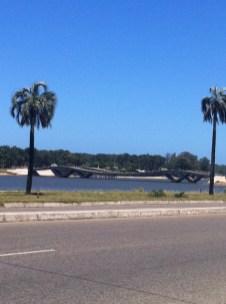 Ponte ondulada Punta del Este