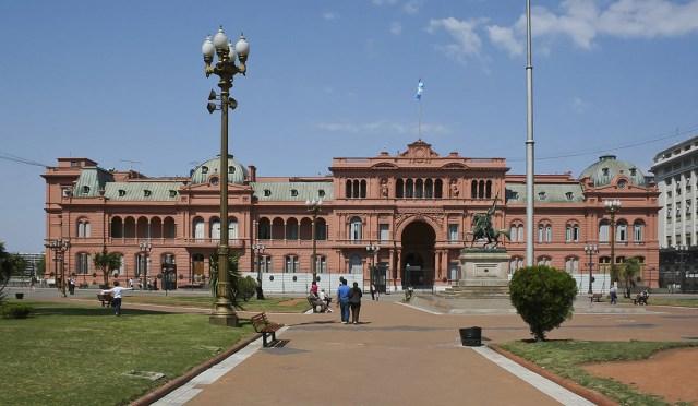Onde viajar com dólar alto: Casa rosada, Buenos AIres.