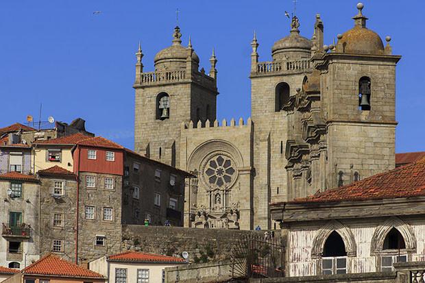 Catedral da sé do Porto em Portugal