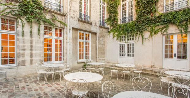 Hostel albergue da juventude no bairro marais em Paris