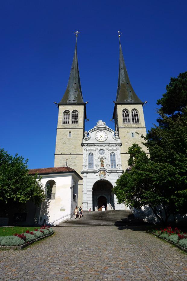 Hofkirche em Lucerna, Suiça