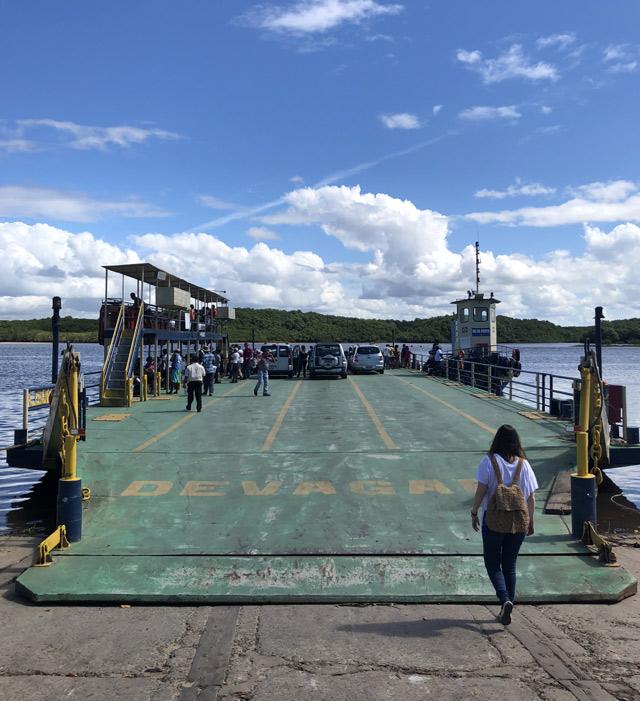 Balsa para a travessia de Porto Seguro até Arraial d`Ajuda