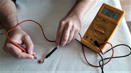 how-to-check-key-fob-battery-with-multimeter