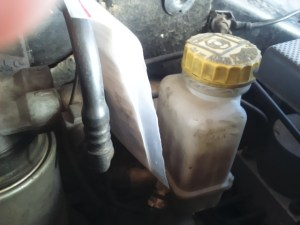 brake fluid container-cap-despairrepair.com