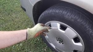 how-to-tighten-zip-ties-hubcaps