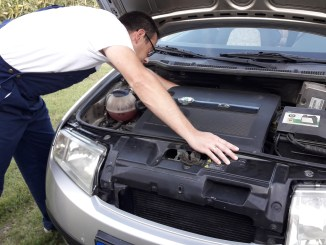 car-safety-how-to-stay-safe-when-making-car-repairs