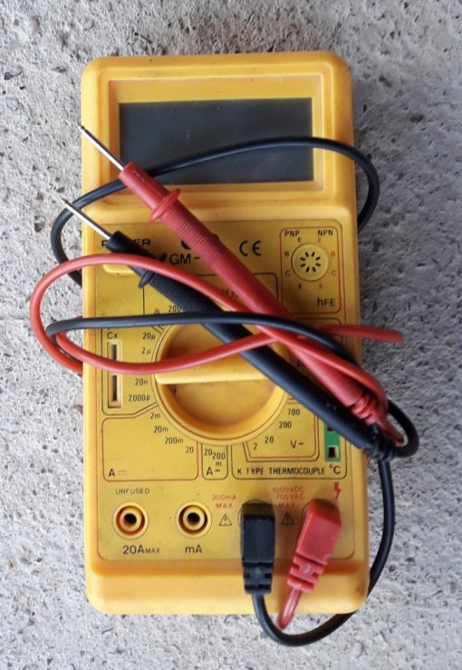 car-tools-multimeter