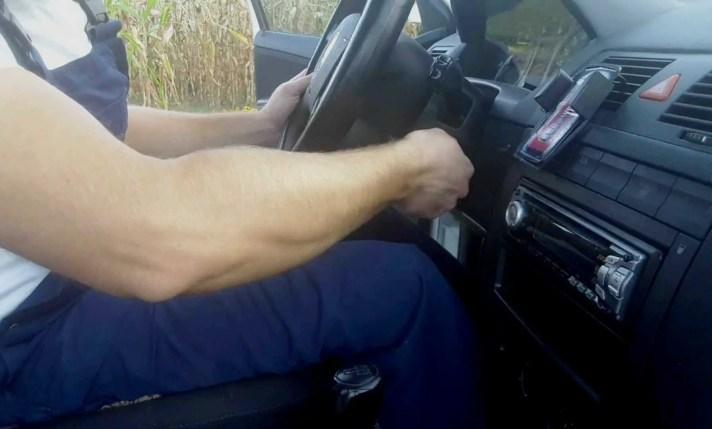 working-steering-wheel-around