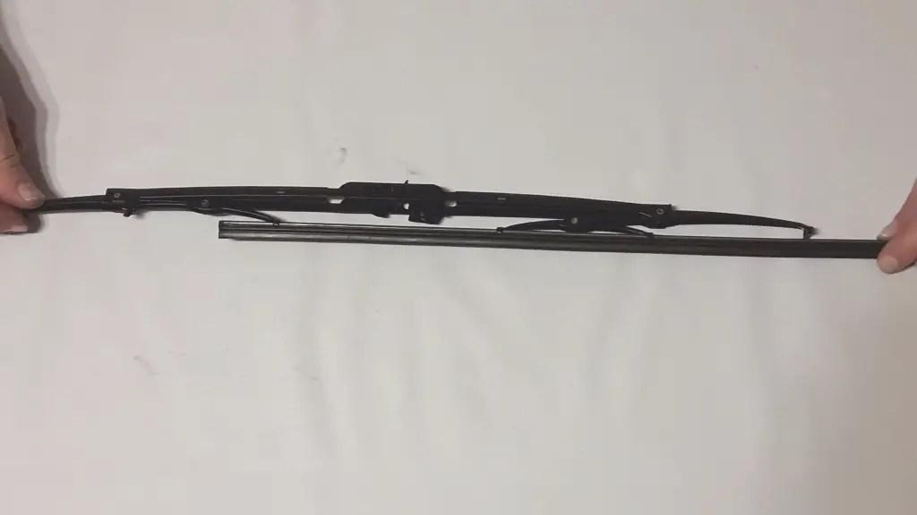 frame-style-wiper-blade-inserting-refill