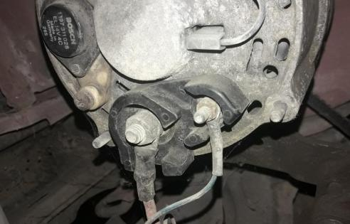 alternator-problems-corroded-connection