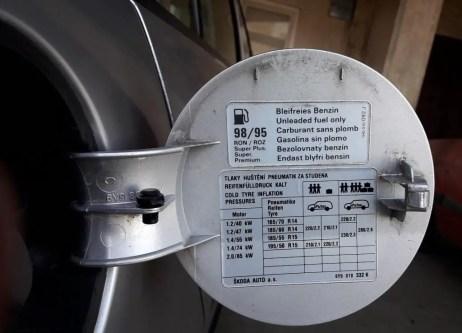 tire-pressure-check-how-to-find-proper-pressure