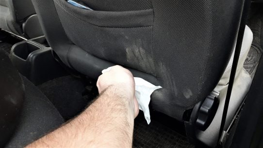 car-interior-cleaning-hack-with-wet-wipes