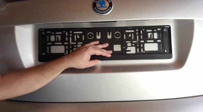 how-to-align-license-plate-frame-return-license-plate-back-in-place-align