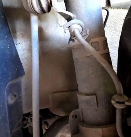 low-brake-fluid-level-brake-lines