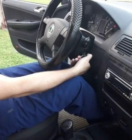 how-to-find-reverse-gear-start-car-try-reverse-gear