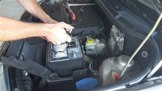 how-to-replace-car-battery-how-to-return-battery