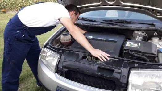 fixing-car-problem