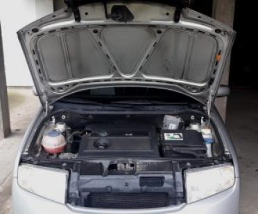 what-to-with-overheating-car-raise-hood