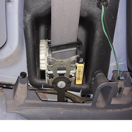 how-to-fix-seat-belt-retractor