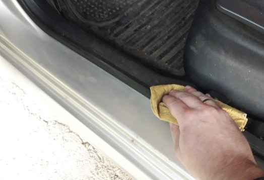 how-to-prevent-car-doors-from-freezing-shut-dry-rubber-seals