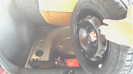 how-to-hold-spare-tire