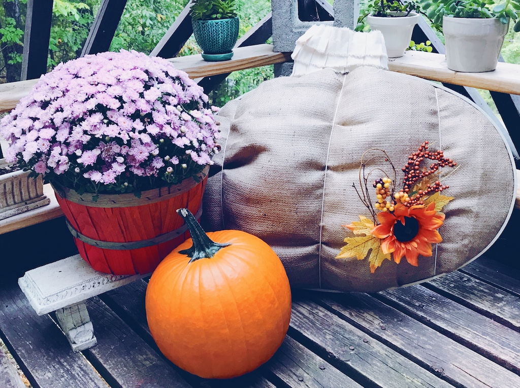 DIY Pumpkin Hoop perfect for fall home decorating via Desperately Seeking Gina