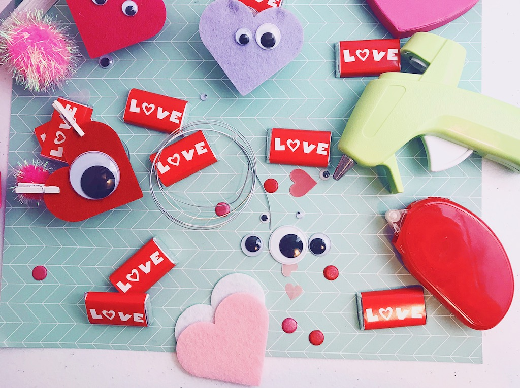 Easy Valentine Love Bugs make a great kid's craft or classroom Valentine handout.