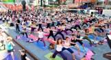 Yoga en Time Square.