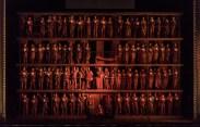 Scena de deschidere a producției cu Œdipe de la Covent Garden, realizată de Fura dels Baus
