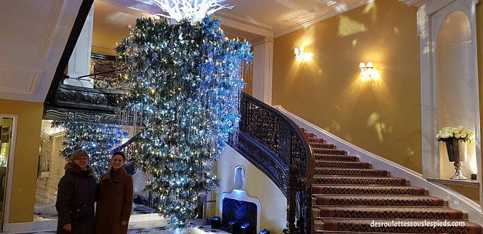 fêtes-fin-d'année-Londres-sapin-hôtel-claridge's