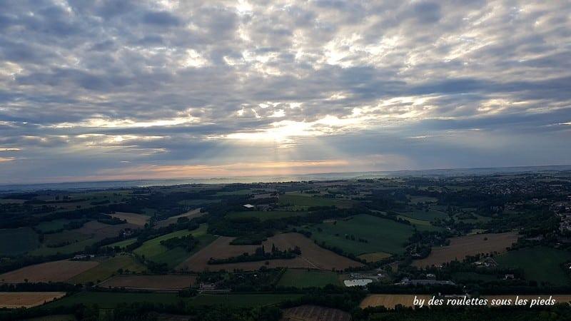 vol en montgolfière lever de soleil sur Lectoure