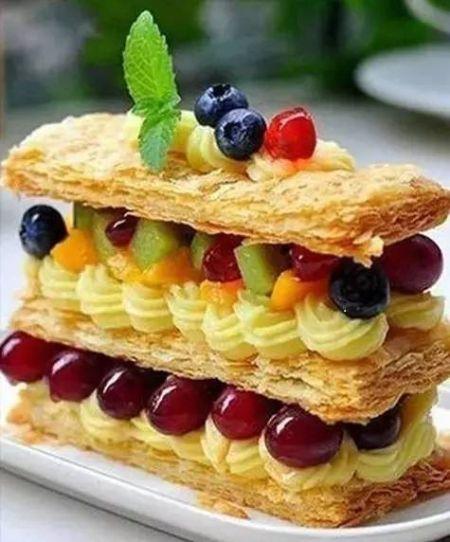 [新聞] 關於法國甜品的冷知識 馬卡龍不叫少女的酥胸 - AM甜品版