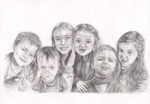 Portrait dessin d'après photos d'enfants cousins cousines