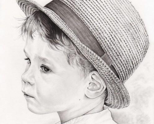 Portrait dessin d'après photo d'un petit garçon avec un chapeau en noir et blanc