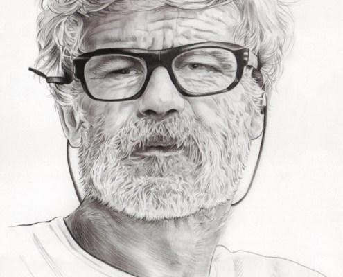 Portrait dessin d'après photo d'un homme barbu à lunettes en noir et blanc