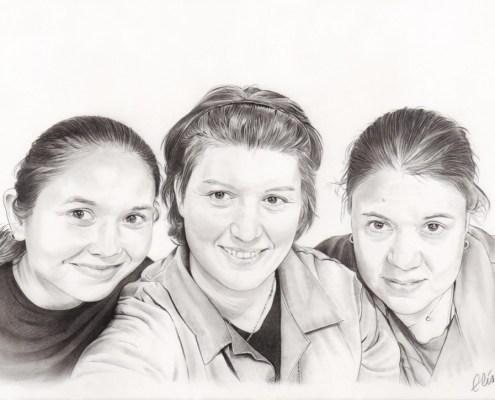 Portrait dessin d'après photo de femmes en noir et blanc